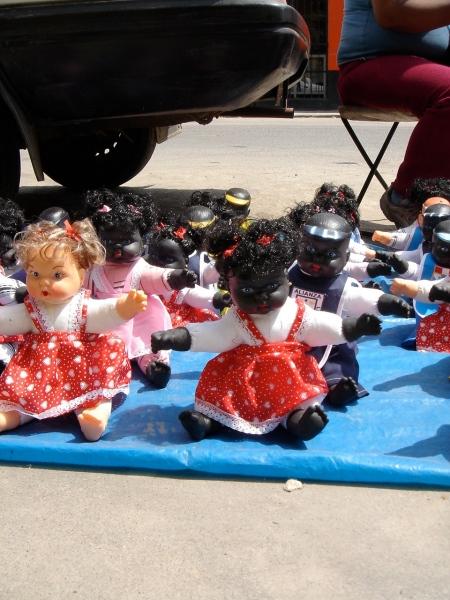 muñecas negras en chincha