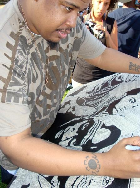 Dave signing