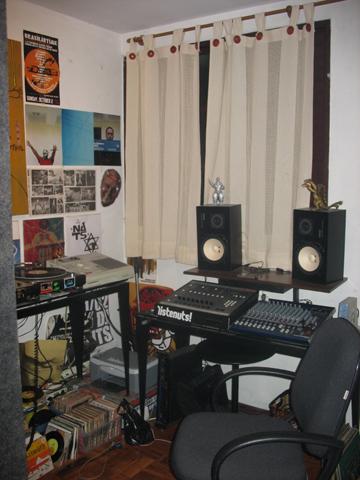 studio Nuts
