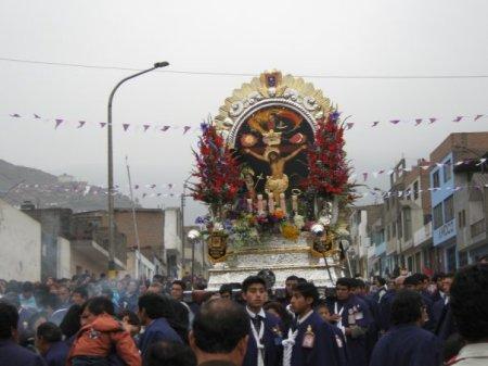 procesion del Señor de los milagros