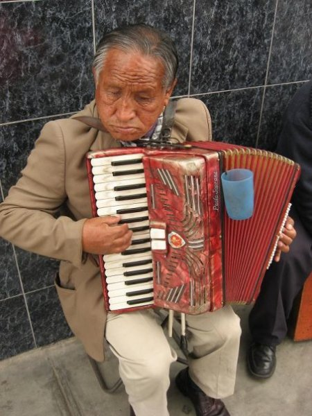 acordeonista, Lima