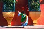 Toto_dancing